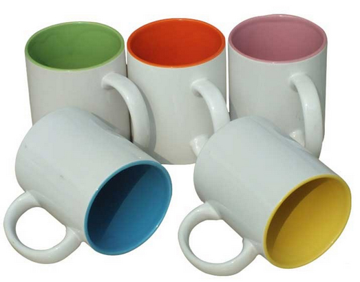 tasses amb l'interior de color